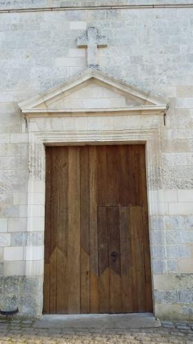 Restauration de l'église Saint Pierre : porte principale