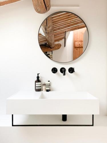 Réhabilitation totale d'un appartement sous les toits dans le centre ville d'Aix : 4d198657-7632-41e0-8952-c3360b2db821.JPG