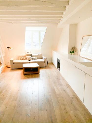Réhabilitation totale d'un appartement Paris 6 : 79051abc-5cef-4d2c-bab8-7eabf22a1228.JPG