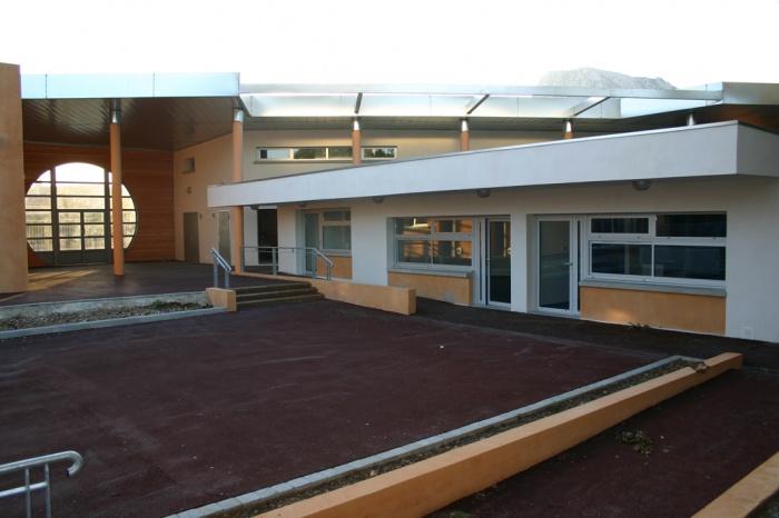 Construction d'un centre de loisirs pour 150 enfants : IMG_9932.JPG